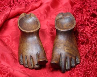 Hawaiian Folk Art Minature Feet Wood Carved Pipe or Bowl Smoker Unusual Collectors Piece