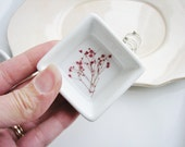 Bridesmaid Gift, Rustic Bridal Wedding Dish, Small Ring Dish with Real Flowers, Jewelry Storage, Minimalist Ring Storage, Nature Lover Gift