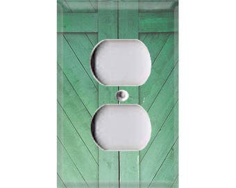 Country Rustic - Green Barn Door Outlet Cover