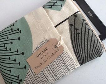 Kindle  scratch cover - Sanderson's Retro Dandelion Clocks fabric