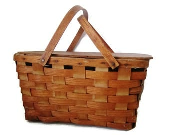 "Vintage splint Burlington ""Hawkeye"" picnic basket, lidded, labeled"