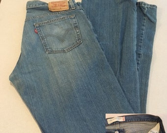 Vintage 527 Men's Levi's Low Boot Cut Jeans 34 x 34 Tall Man's Levi's Medium Wash Jeans Made/Columbia No Tears Great Condition Slight Fading
