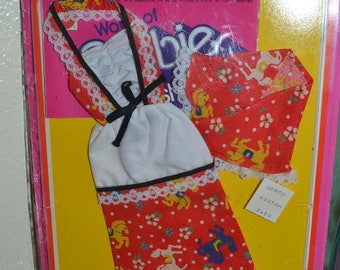 Rare Variation 1976 Vintage Barbie NRfC Best Buy 3363 2228  Carousel Dress Peasant mod for dolls Mattel