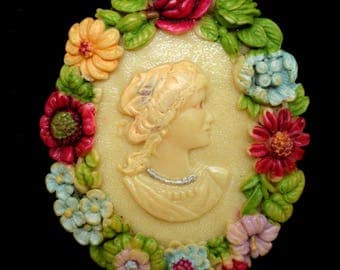 Cameo with Floral Frame Vintage Pin