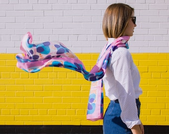 Wrap-Around Scarf in Positively Pink