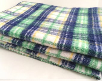 Vintage Plaid Twin Blanket Acrylic Blue Green Picnic Stadium Throw Cheerful Boys Room Decor Twin Size Bed Cover
