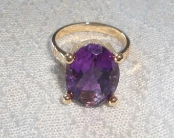 Vintage Ring-Amethyst Gem in 14K Gold Setting