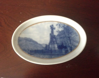 Small blue and white dish