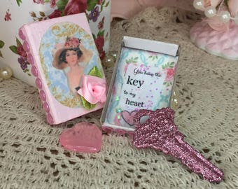 Mother's Day Gift Idea For Her - 3 Piece Keepsake Decorated Shabby Chic Matchbox Match Box Greeting Card Trinkets Heart Pink Glitter Key