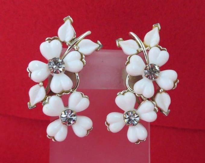 Kramer White Flower Earrings, Vintage Lucite Rhinestone Silvertone Clip ons Spring Summer Jewelry