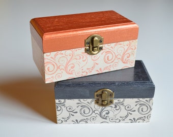Wooden box in Ready sale