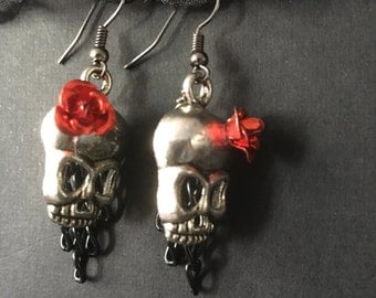 Cute Skull Earrings, Skull Earrings, Silver Skull Earrings, Gothic Earrings, Metal Roses, Rose Jewelry, Gothic Gifts, Gothic Jewelry, Silver