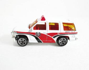 97 Chevy Tahoe Fire Chief SUV, Matchbox Truck, Vintage Toy Car, White Emergency Vehicle