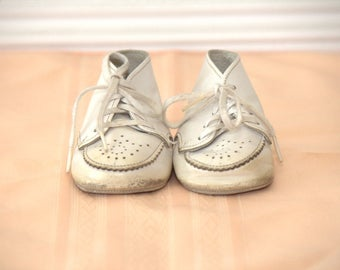 Girls Vintage White Baby Shoes - Size 0 - Vintage Baby Shoes - Vintage Saddle Shoes - Vintage Boys Shoes - Vintage Girls Shoes