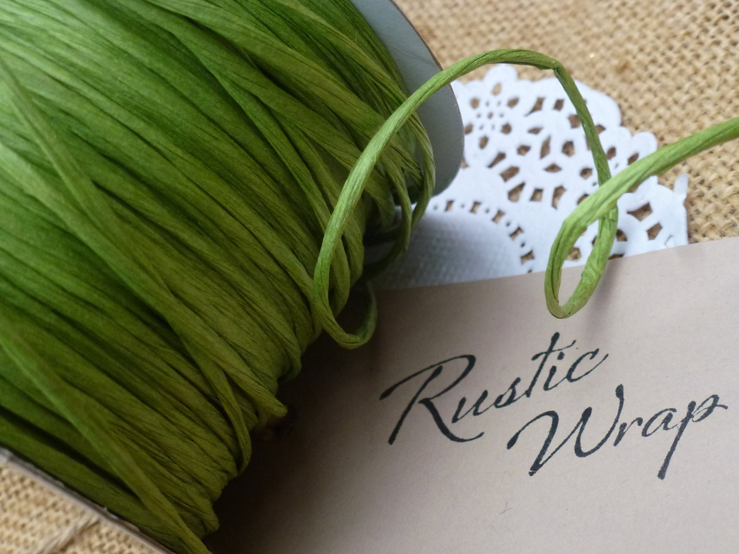 Paper covered craft wire - 8m Spring Green Paper Covered Craft Florist Wire 2mm