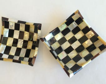 Small Dish Mother of Pearl Checkers Design