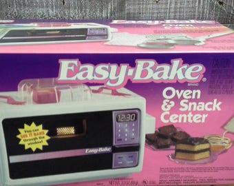 Vintage Easy-Bake Oven