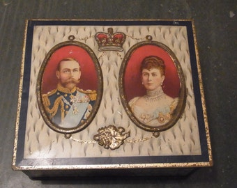 King George V and Queen Mary Coronation Biscuit tin  1911 Coronation Tin George V 1911 Royal collectables Royal Souvenir Tin Coronation Tin