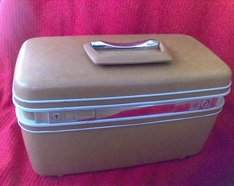 Train Case  with tray and key, Brown, Samsonite, vintage suitcase, Beauty Case