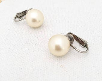 Vintage Pearl Button Clip on earrings Vintage Screw back Pearl Earrings with Large Clip on Pearl screw back earrings  Pearl Studs