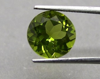 Round faceted large Peridot, olivine, Chrysolite