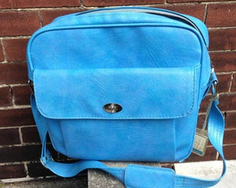 SALE! Vintage 1960s Samsonite Silhouette Blue Locking Carry on Bag with Key
