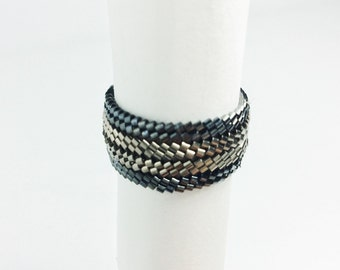 Black Zigzag Seed Bead Ring, Peyote Stitch Ring, Black and Silver, size 10 ring, men's ring, size 4, 6, 8, 10