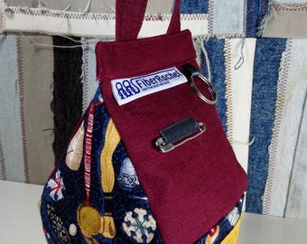 Toolhouse, Birdhouse shaped bag for your knitting or crochet tools