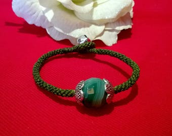 B002 macrame bracelet with Agate green tint