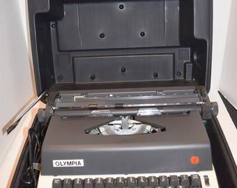 Olympia Electric Typewriter Model R-12 w/Case - EX
