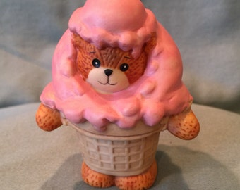 Lucy & Me Strawberry Ice Cream Teddy Bear Figurine. Bright Pink Ice Cream Cone Teddy Bear. Porcelain Collectible Gift 1990 Enesco Home Decor