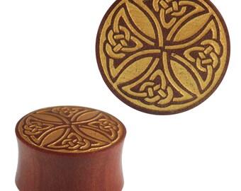 Plug Sawoholz red Celtic Cross golden double flared hand work (No. HPT-463)
