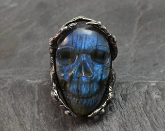 Halloween ring,Fingers ring,Labradorite Skull ring,Horror ring,Metalwork jewelry,Soldered ring,Witch ring,wiccan ring,Skull jewelry