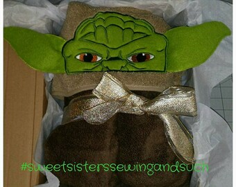 The Green Force Master Hooded Towel (Yoda)