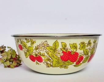 Vintage Strawberries Enamel Bowl, Rustic Country Kitchen Decor, Enamelware Bowl, Farmhouse, Decorative Serving Bowl, Retro, Kitsch