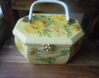 Beautiful 1960s Butterfly and Daisy Painted Wood Box Purse