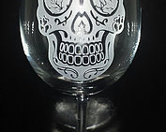 Dia de Los Muertos Sugar Skull Etched Wine Glass