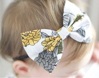 """SALE: Blooms """"floppy"""" Bow"""