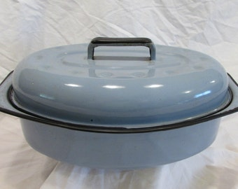 Enamel Ware Roasting Pan With Lid, Periwinkle and Black, Vintage Kitchen, Vintage Cookware, 1950's