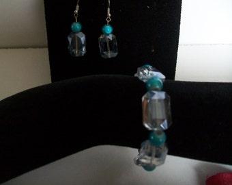 Bracelet + earring in blue glass