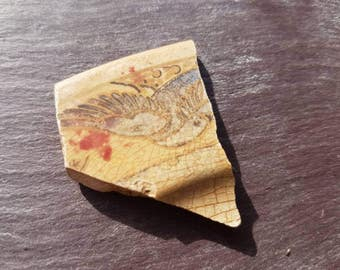SWALLOW POTTERY SHARD ~ Sea Worn Pottery ~ Vintage Beach Finds ~ English ~ Thames Mudlarking