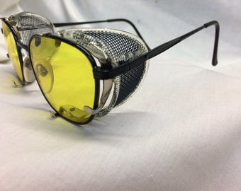 GHOSTBUSTERS METAL Glasses Dr. Holtzmann Inspired Yellow Lens / Side Shields AMBY