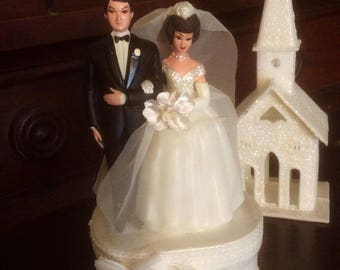 Wilton 1960s wedding cake topper gets a redo for your wedding!