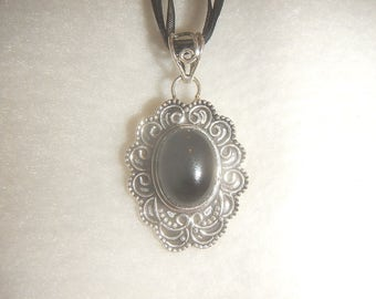 Oval Black Onyx pendant necklace (P605)
