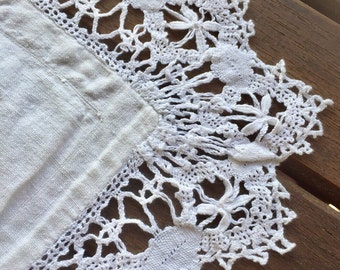 Old pillow case, in linen thread, poutour lace of the Puy made hand