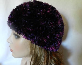 Hand Knitted Boa Beanie Hat and scarf set V5621