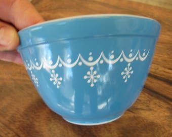 Vintage Small Blue and White Pyrex Nesting Bowl