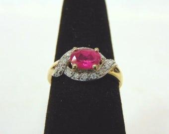 Womens Vintage Estate 14k Yellow Gold Ring w/ Garnet & Diamonds 2.6g E1044