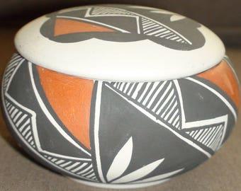 Native American Acoma Pueblo Pottery Lidded Jar Pot Vase 2 1/3 X 3 3/4 Inches M. Sanchez