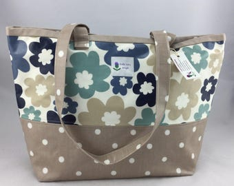 Flower patterned Oilcloth tote bag, laminated cotton tote bag, Daybag, beach bag.